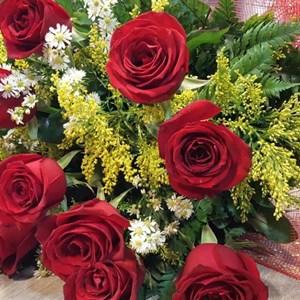Buquê - uma dúzia - rosas vermelhas